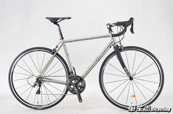 AUDAX 3AL-2.5V titanium alloy road bike